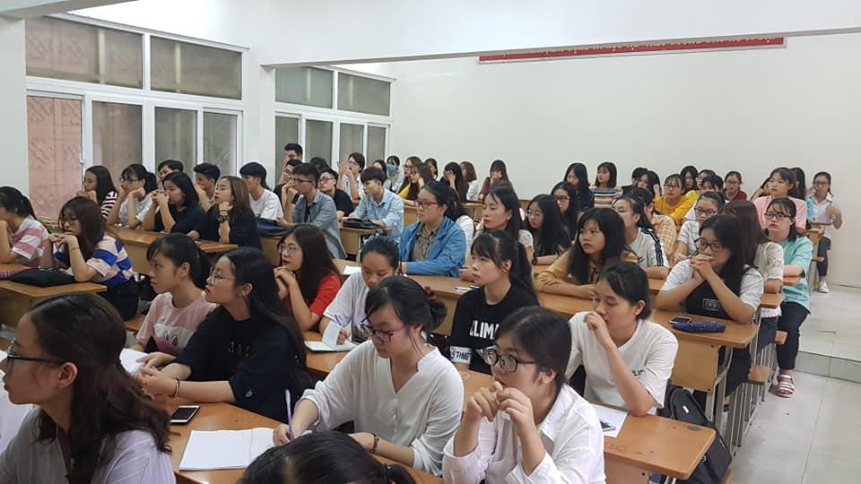 Tân sinh viên K63 Nhân học