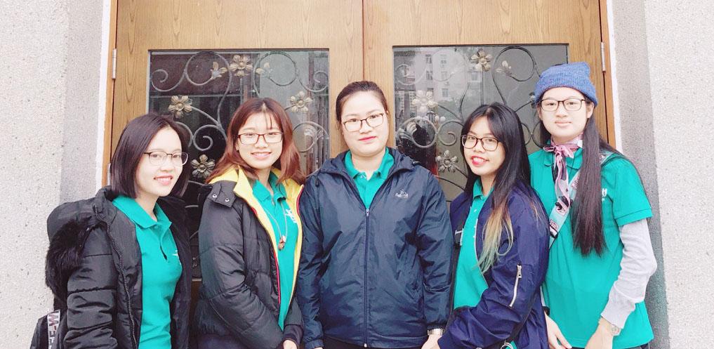Các sinh viên Khoa Nhân học - Trường ĐHKHXH&NV trong chuyến đi Hội trại Hán ngữ 2018