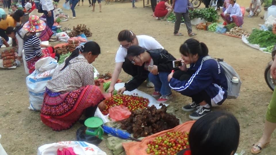 Phong-van-tai-cho-cua-sinh-vien-Nhan-Hoc