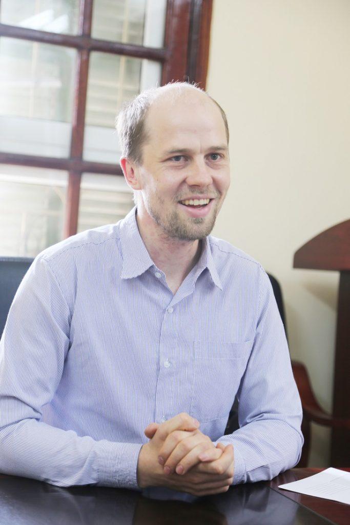 TS. Paul Christensen đến từ Đại học Gottingen (Cộng hòa Liên bang Đức)