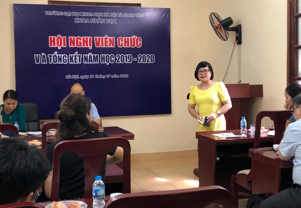 PGS.TS Trần Thị Minh Hòa - Phó Hiệu trưởng phát biểu tại Hội nghị