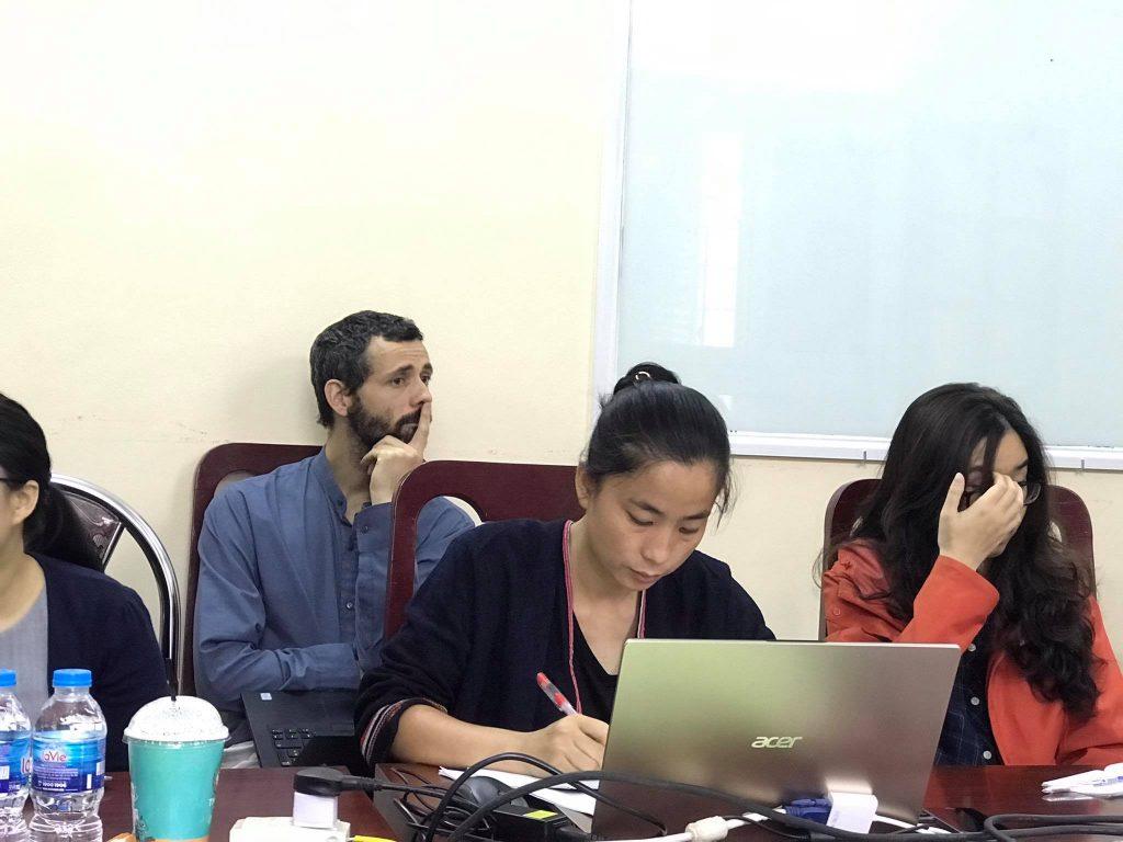 TS. Nguyễn Đặng Anh Minh trình bày tại seminar